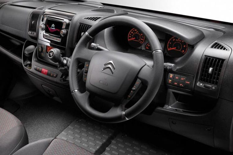 Citroen Relay 35 L3 2.2 BlueHDi FWD 140PS X Chassis Double Cab Manual [Start Stop] inside view